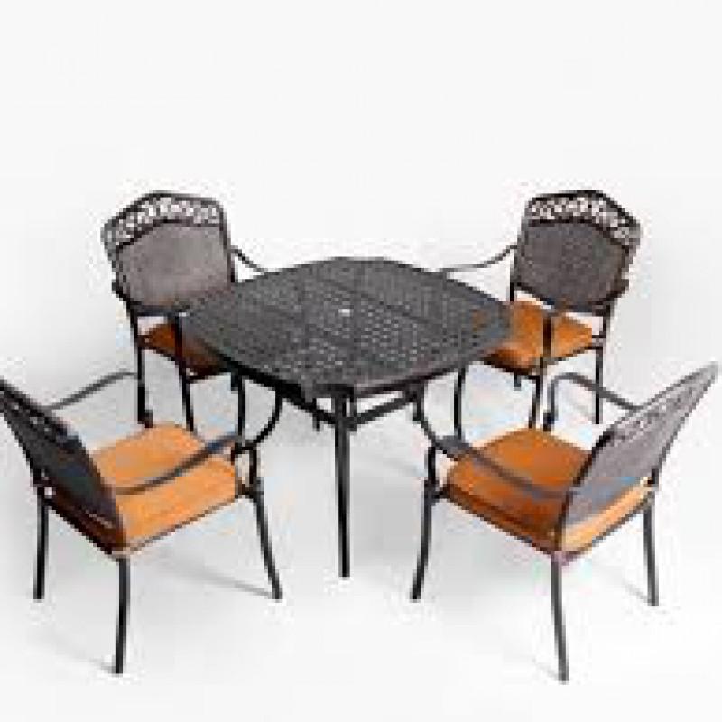 Bộ bàn ghế nhôm đúc caro vuông nâu đẹp